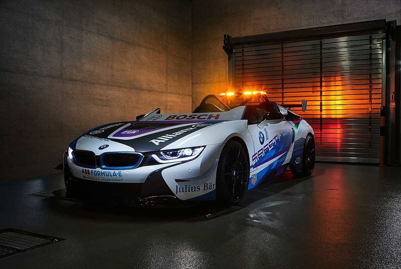 """Official Vehicle Partner"" BMW i präsentiert neues Formel E Safety Car."